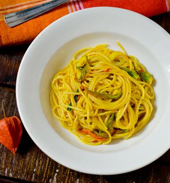 Tierfreitag: Spaghetti mit Zucchiniblüten und Safran