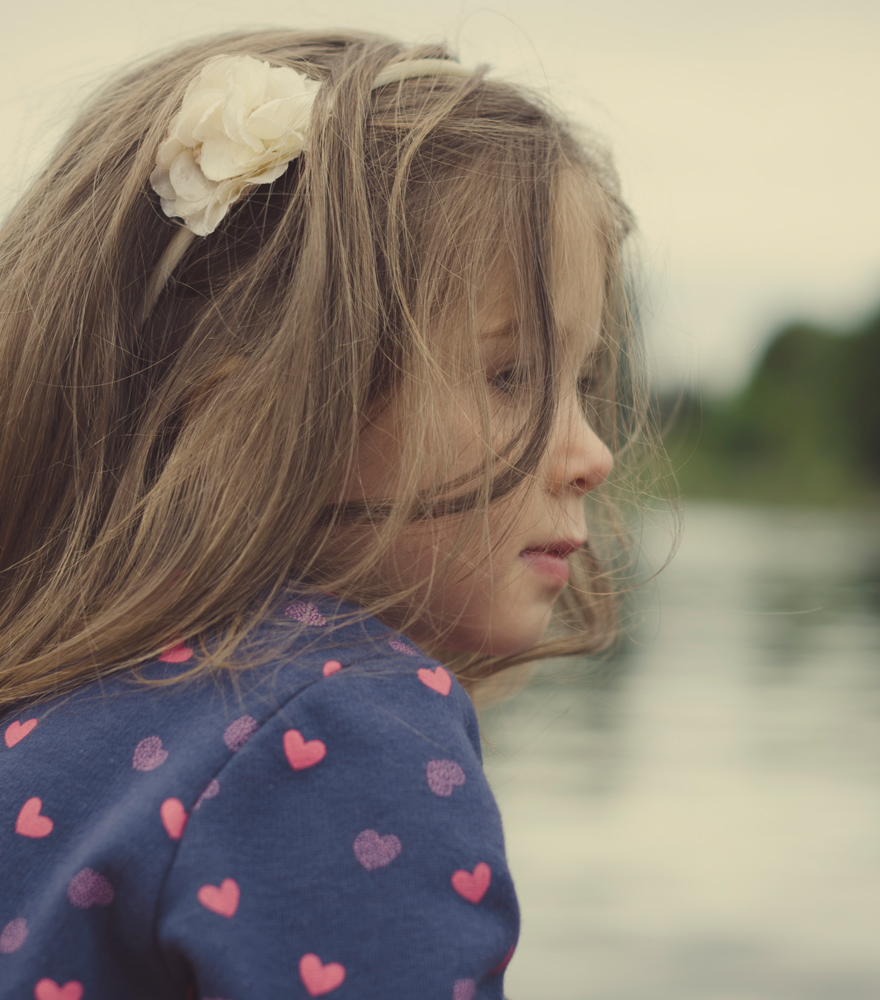 Mädchen im Boot | lacapocuoca.at