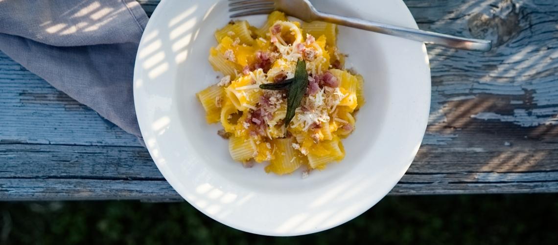 Rezept Pasta mit Kürbis und Amaretti | lacapocuoca.at